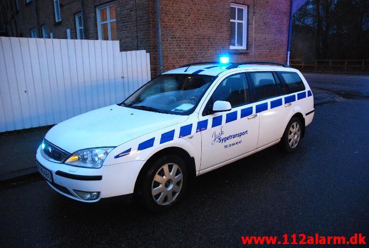 Ford mondeo 2.0 TDCI 2007.  Udstyret med udryknings lys fra Wheelen samt elektronisk horn. Bruges til siddende patient kørsel samt kørsel med Blod/organer.