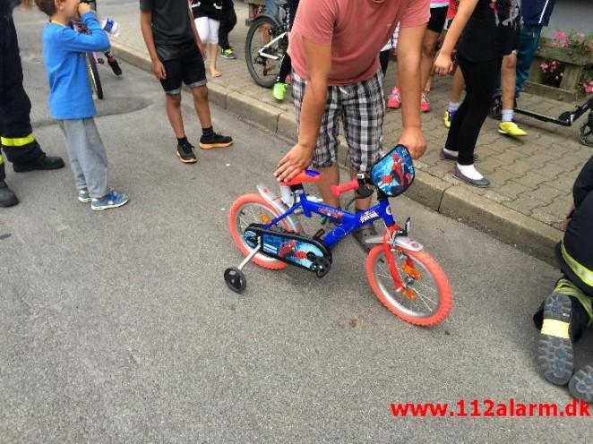politi cykel auktion
