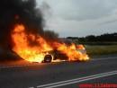 Brand i bil. Mangehøje i Jelling. 27/08-2015. Kl. 19:37.