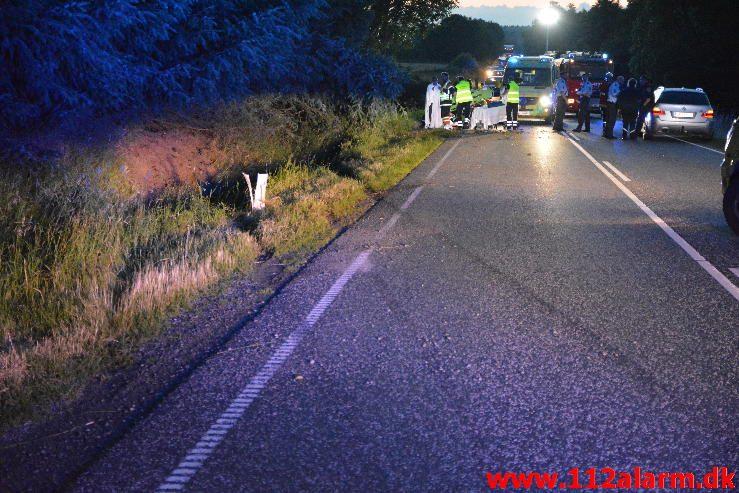 Alvorlig trafik ulykke. Tykhøjetvej lige syd for Give. 17/06-2016. Kl. 22:36.