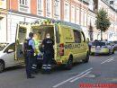 En mand kom med ambulancen. Skyttehusgade i Vejle. 06/09-2016. Kl. 16:30.
