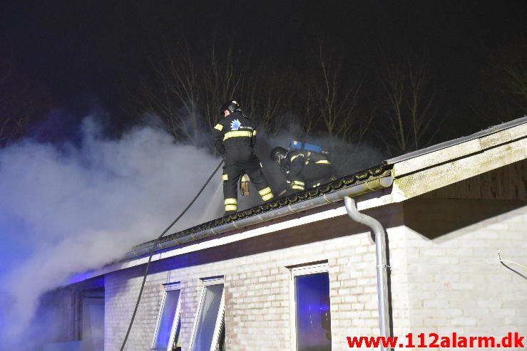 Brand i Villa Fløjstrupvej i Vindelev 27/03-2017. Kl. 21:32.