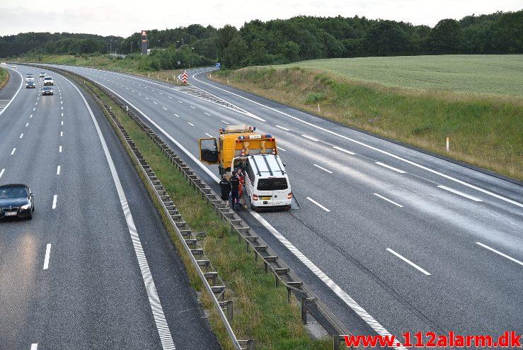 Redn.-Bygning/Højderedning. Motorvejen E45 syd for Vejle. 02/07-2017. Kl. 20:57.