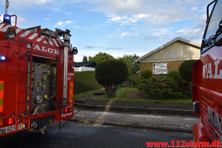 Brand i Villa. Birke Alle i Ødsted. 06/07-2017. Kl. 19:56.