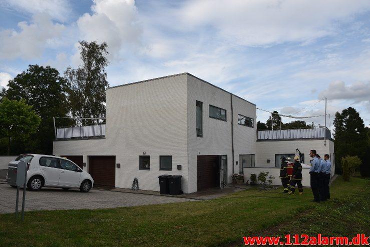 Brand i Villa. H.O. Wildenskovsvej i Brejning. 11/07-2017. Kl. 18:36.