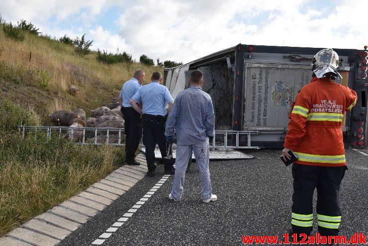 FUH fastklemtelastbil . Vandelvej ved Ny Nørup. 13/07-2017. Kl. 07:42.