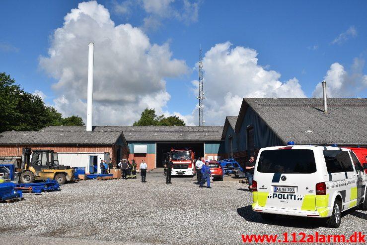 Bygn.brand-Industribygning. Mølgårdvej i Vonge. 07/07-2017. Kl. 09:15.