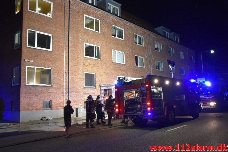 Brand i Etageejendom. Rødkildevej i Vejle. 28/07-2017. Kl. 23:59.
