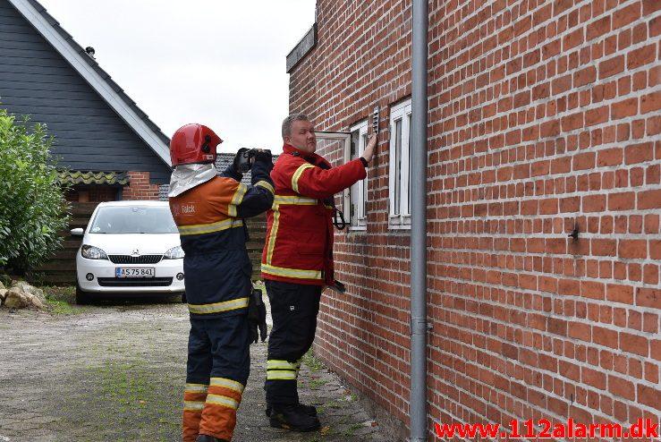 Ild i et køkken. Vejlevej i Bredsten. 06/09-2017. KL. 17:59.
