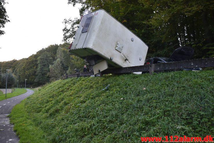 Campingvogn blev kastet op i luften. Ribe Landevej ved Nedebro. 08/10-2017. Kl. 17:05.