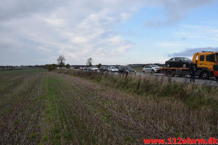 FUH med fastklemt. Motortrafikvejen ( Rute 28 ) 22/10-2017. Kl. 16:11.