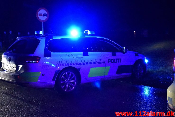 FUH med fastklemt. Skovsvej i Børkop. 18/11-2017. Kl. 21:01.