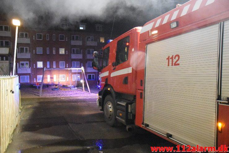 Brand i Container. Borgmestergade i Vejle. 21/01-2018. Kl. 18:11.