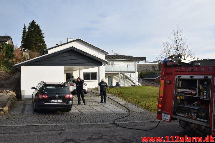 Brand i Villa. Brønsbjergvej i Vejle Øst. 18/02-2018. Kl. 15:08.