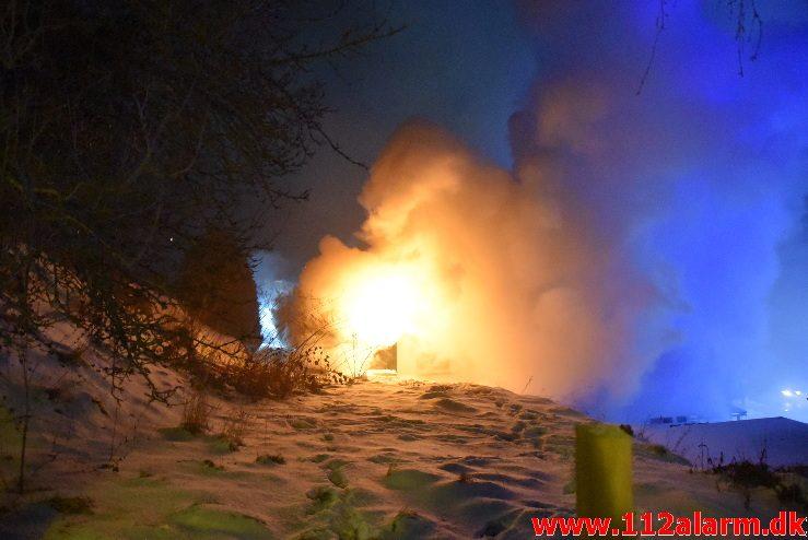 Brand i Villa. Grejsdalsvej i Grejsdalen. 02/03-2018. Kl. 19:46.
