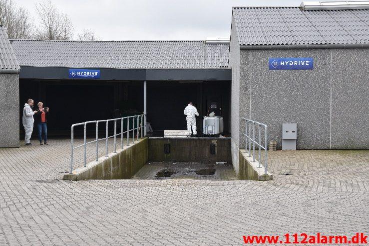 Større Forurening – Kemikalieudslip. Lundagervej 100 i Hedensted. 22/03-2018. Kl. 13:14.