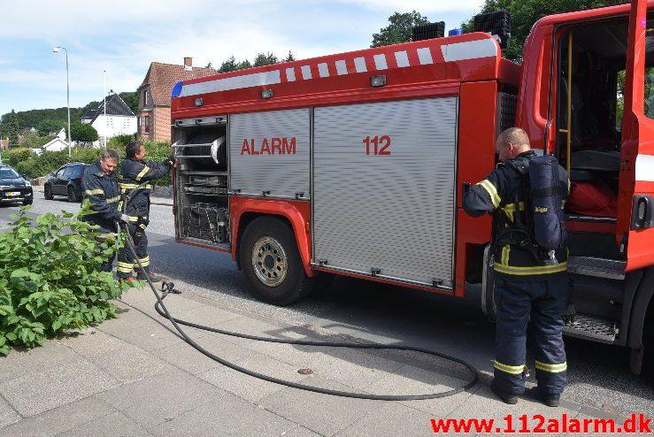Mindre naturbrand. Ribe Landevej i Vejle. 08/06-2018. Kl. 16:08.