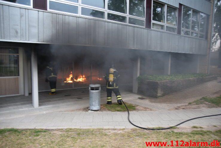 Brand i Etageejendom. Løget Center 71 i Vejle. 05/07-2018. Kl. 20:28.