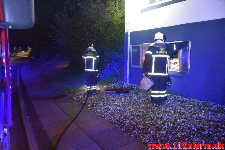 Brand i Villa. Koldingvej i Højen. 09/10-2018. Kl. 23:30.