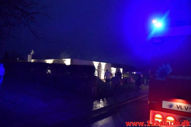 Brand i Villa. Erantisvej i Vejle. 03/12-2018. KL. 7:22.