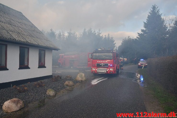 Gårdbrand. Grydedalvej ved Førstballe. 04/12-2018. Kl. 12:44.
