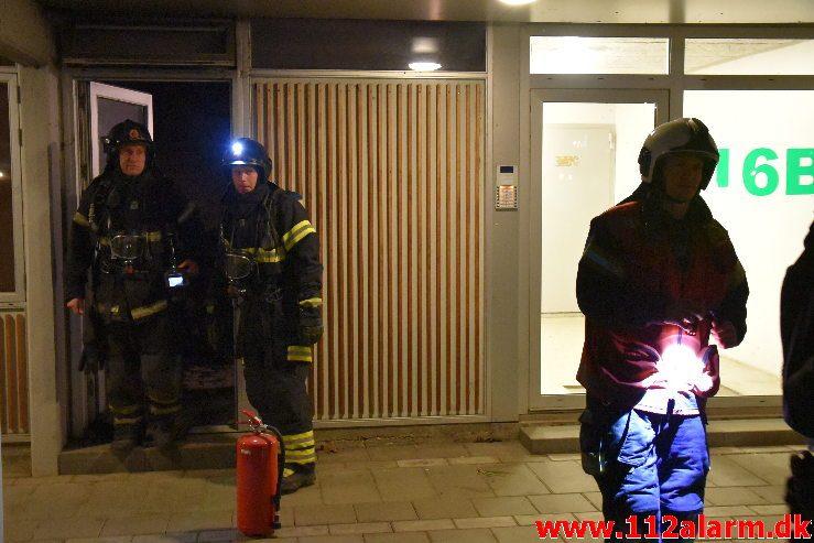 Brand i Etageejendom. Grønnedalen 16 i Vejle. 25/12-2018. Kl. 18:42.