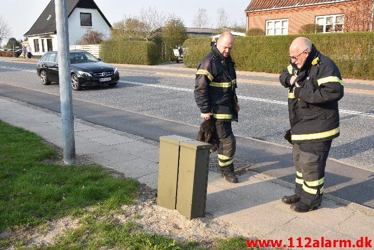 Ild i El-skab. Jellingvej i Vejle. 07/04-2019. Kl. 17:39.