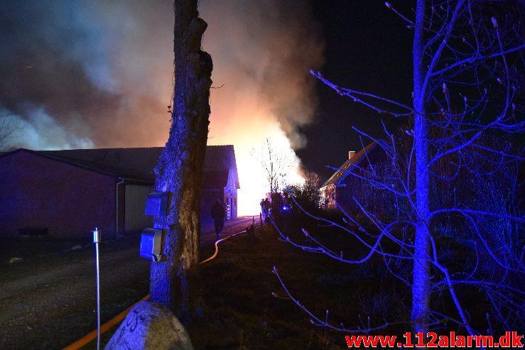 Gårdbrand. Fløjsteupvej i Fløjstrup. 16/04-2019. Kl. 22:46.