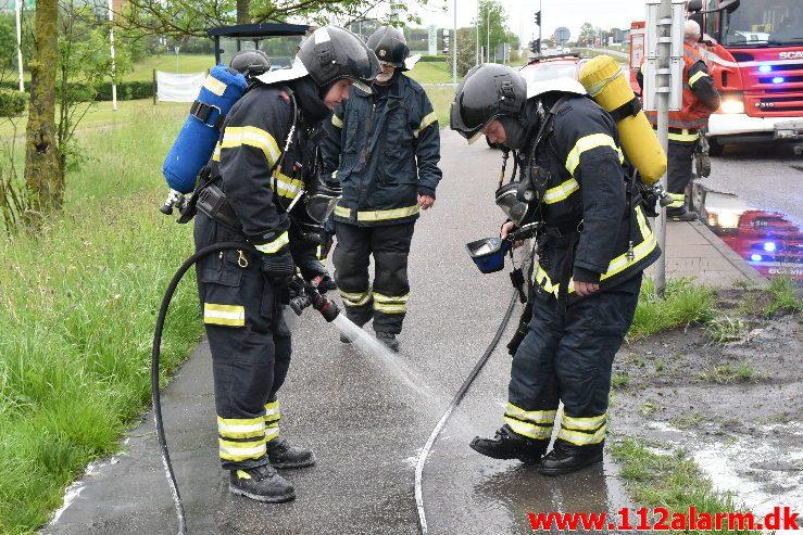 Brand i Lastbil. Horsensvej i Vejle. 31/05-2019. KL. 07:43.