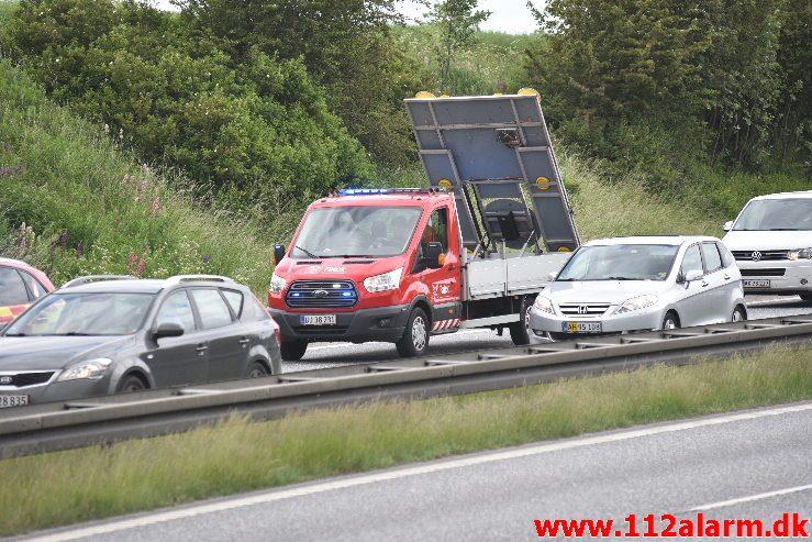 Bilbrand. Motorvejen E45 mellem Hedensted og Vejle. 08/06-2019. Kl. 11:55.