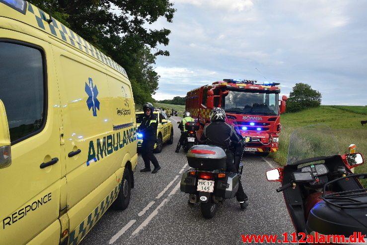 Motorcyklist røg af vejen. Vongevej ved Ådal. 20/06-2019. Kl. 20:22.