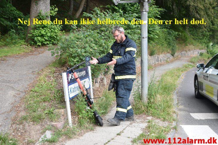 """Så er der """"KUN"""" 99 Stk. el-løbehjul tilbage i Vejle. Østerbrogade i Vejle. 08/07-2019. Kl. 19:24."""