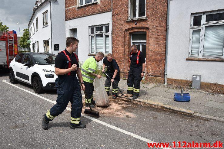 Mindre Forurening. Fredericiagade i Vejle. 18/07-2019. Kl. 13:31.
