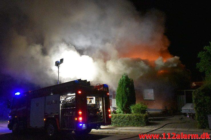 Brand i Villa. Uhrskovvej i Vejle. 02/08-2019. KL. 00:01.