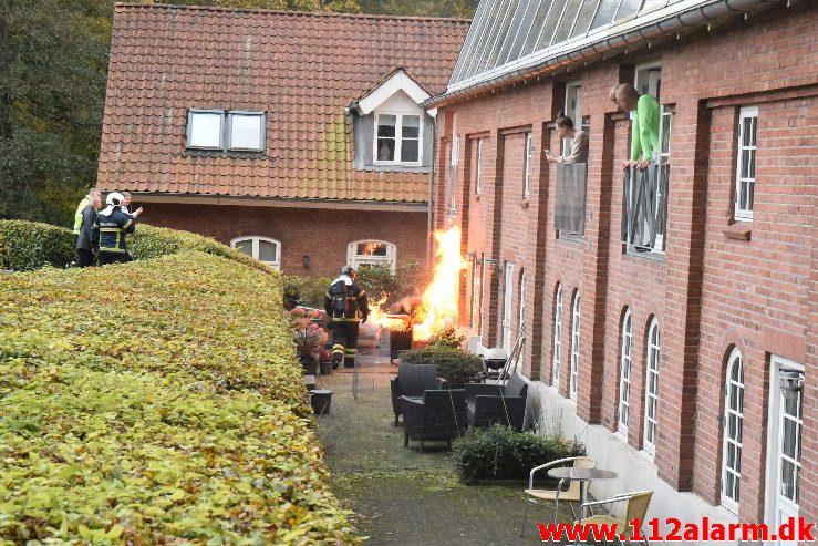 Ild i gasgrill. Grejsdalsvej 326 i Vejle. 12/10-2019. Kl. 18:00.