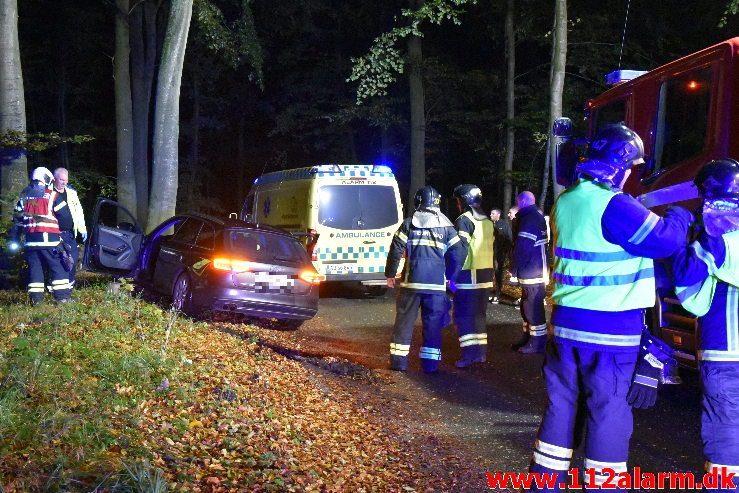 Kørt ind i et træ Bybækvej i Vejle. 14/10-2019. Kl. 22:26.