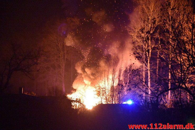 Ild i Kolonihavehus. Nørremarksvej på Nørremarken. 31/10-2019. Kl. 22:37.