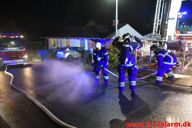 Voldsom brand i villa. Skovmøllevej i Vejle. 02/11-2019. Kl. 03:13.