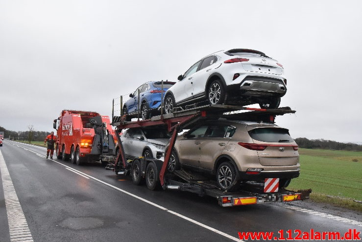 Autotransporter fra Polen tabte sin hænger. Kolding Landevej ved Fredericia. 23/01-2020. Kl. 7:00.