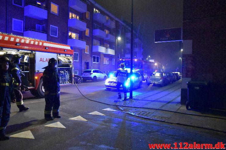 Ild i Etageejendom. Svendsgade i Vejle. 26/01-2020. Kl. 21:32.