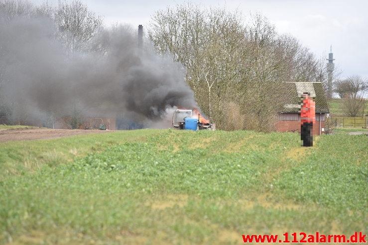 Brand i Landbrugsredskab. Karensdalvej ved Haraldskær. 18/03-2020. Kl. 14:32.