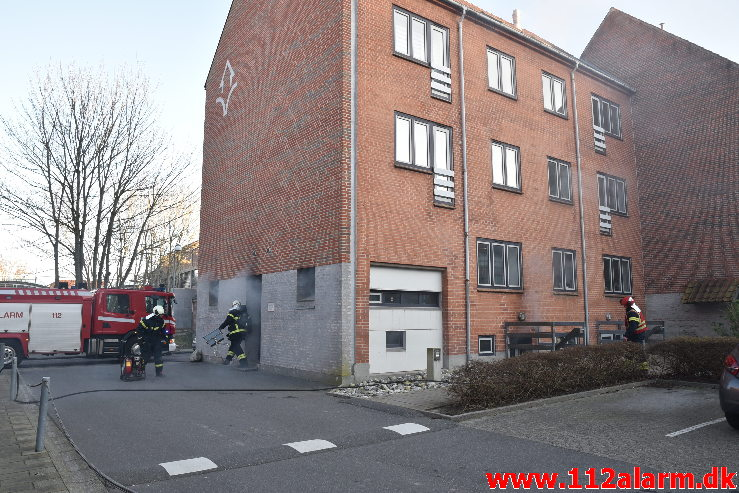 Brand i tørretumbler. Valdemarsgade 36 i Vejle. 21/03-2020. Kl. 17:33.