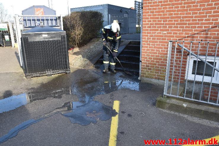 Brand i et eller andet. Egevang på Søndermarken. 17/04-2020. Kl. 17:41.