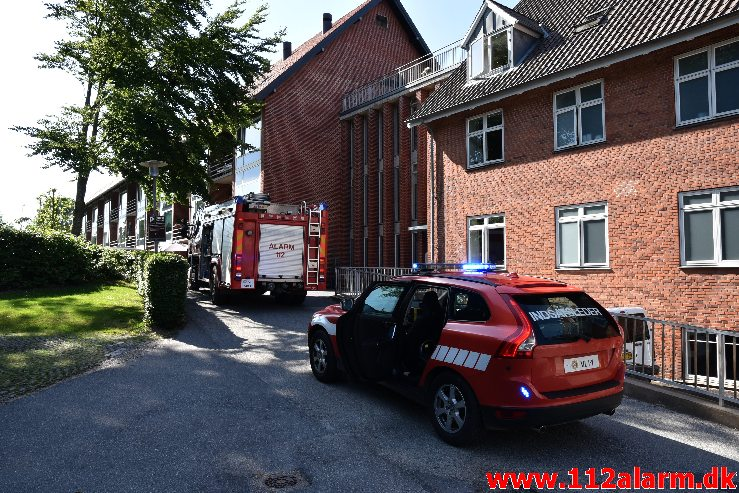 Brand i ældrebolig. Bakkegården på Teglgaardsvej. 23/06-2020. Kl. 16:37.