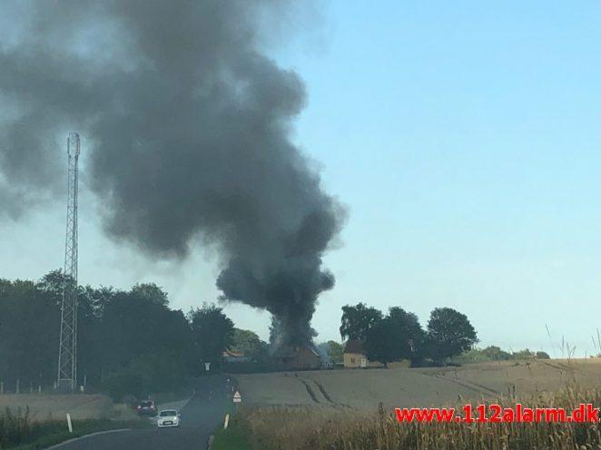 Brand i Villa. Hedenstedvej i Stenderup. 24/07-2019. KL. 19:21.