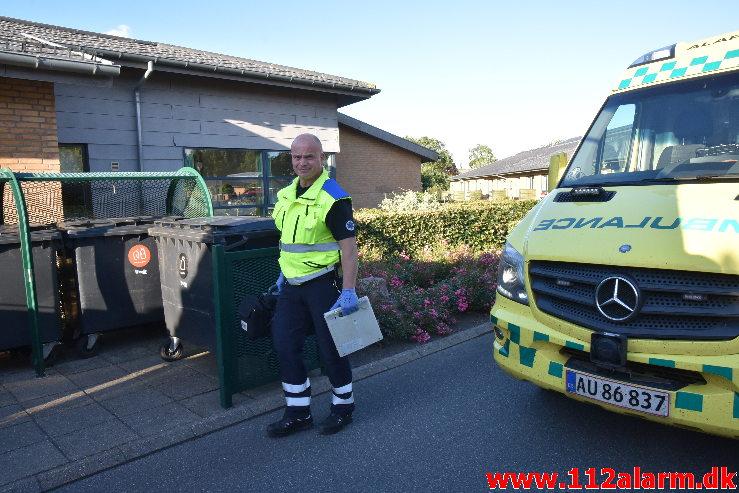 Ældre dement mand sad nede i en brønd. Demensafsnit Sdr. Ringvej i Give. 20/07-2020. KL. 19:35.