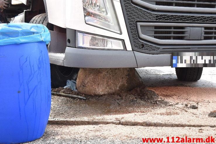 Mindre Forurening / Spild Karetmagervej i Vejle. 24/07-2020. KL. 13:37.