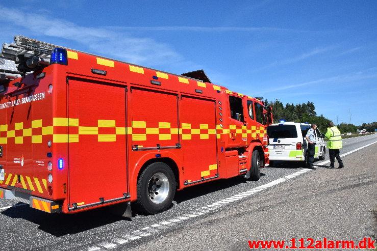 Lastbil ramte en anden lastbil i nødsporet. Østjyske Motorvej i nordgående spor ved 137 Km. 31/07-2020. Kl. 11:28.