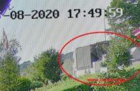 Efterlysning af en Volvo lastbil med kran og hænger. Bredsten Landevej i Uhe. 16/08-2020. Kl. 17:49.