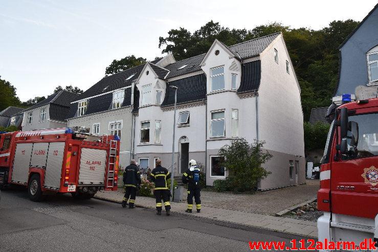 Efterladt papir på komfur gav røg. Dalgade i Vejle. 10/09-2020. KL. 07:38.